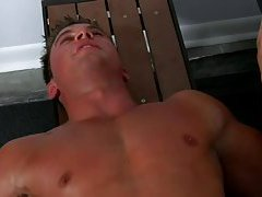 Tyler St-James adore le gym (Tyler St James loves the gym)