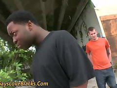 Amateur gives bj outside