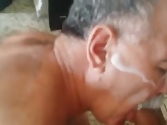 Cumshot on the face (mature daddy)
