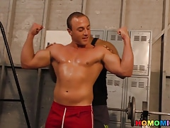 Muscular white guy goes black in a gym