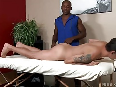ExtraBigDicks Hung Masseur gets in Clients Ass