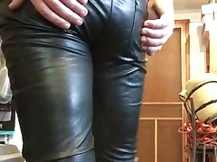 Cuming in tight shiny pants