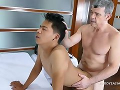 Daddy and Young Marcon Barebacking
