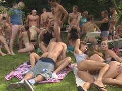 Beautiful blowjob party with cum-swallowing young models