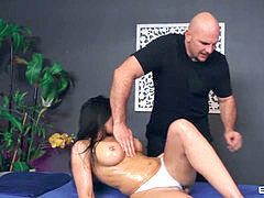 Rachel Starr Gets fucked By The massagist