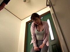 japanese jogger desperate to piss