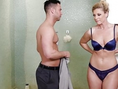 NuruMassage Hot Mom i`d like to fuck Showers, Oils and Sucks and moreover Gets down and dirty Guy