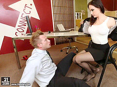 Chanel Preston red-hot foot worship porn