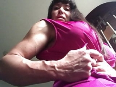 Lady Muscle to want in your hands