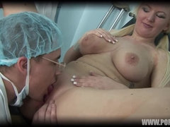 BLONDE WITH BIG TITS LIKES TO FUCK HER GYNO