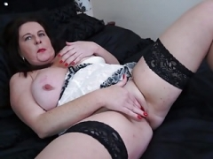 British chunky mother Jessica Jay needs your cock
