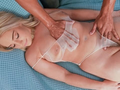 Massage parlor madness with juicy flings
