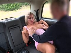Hot blonde Bianca Finnish milks taxi driver for a free ride