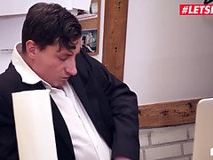 Roxxy X and Jason Steel - Horny Boss Fucks Hard With His Secretary Since He Can't Use His Hands