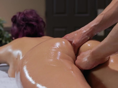 Splendid MILF Monique Alexander receive massage and hard penis