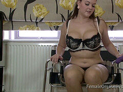 curvaceous meaty breasted Babe Masturbates To A Real Orgasm
