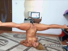 Well-Rounded Blondie Teenage Rides Dildo Like A Pro - HD video