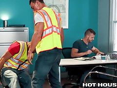Injured Construction Worker Fucked In Hospital Waiting Room