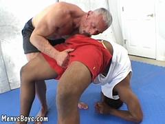 Old muscleman lets a huge black shaft