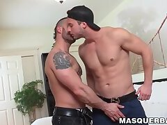 Stud receives wet cocksucking before drilling his man hard