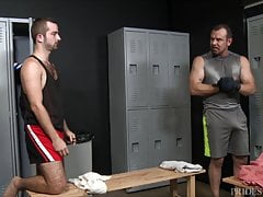 Max Sargent Gives Gym Partner His Thick, Meaty Cock