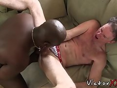 Black perv with pierced nipples slams his BBC into white ass
