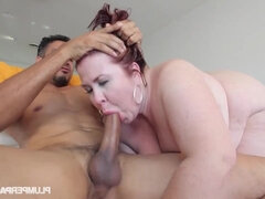 Hot And Horny Lady Lynn - fat mature with saggy tits dicked outdoors