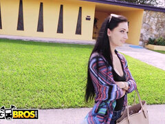 BANGBROS - Crystal Rae Getting Her big Ass penetrated On The boink Bus