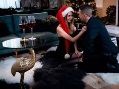 Couple share orgasmic Xmas presents