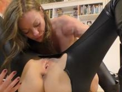 Aroused english milf eats