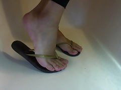 Piss over my soles feet & flip flops with painted toes nails