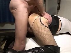 Crossdresser fuck and cumflow