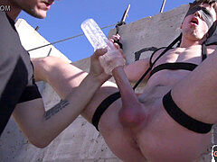 dude gets roped and edged outdoors